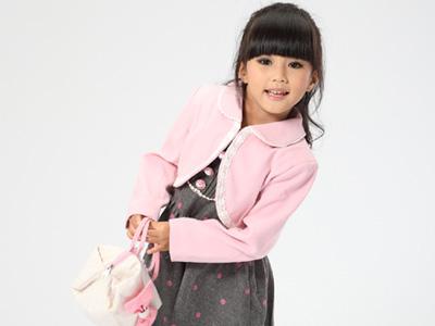 望子成龙童装浪漫生活从童年开始!