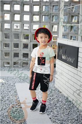 童装品牌,西瓜王子引领设计新潮流人见人爱