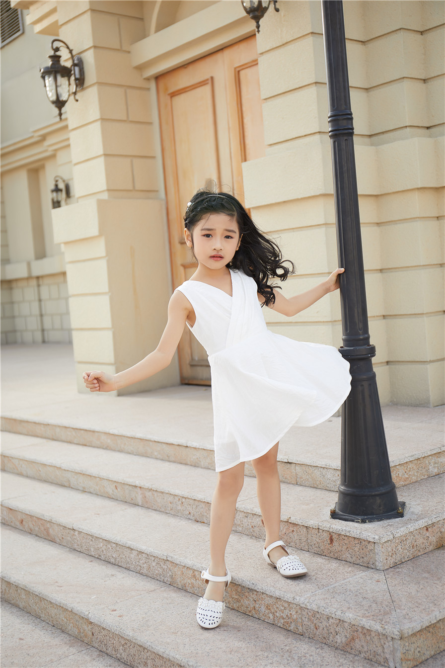 加盟童心童趣服饰童装品牌,你会发现创业开店真的很简单