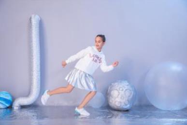 江博士健康鞋以产品守护青少年足脊健康