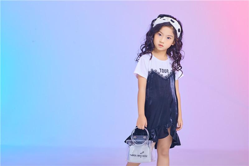 kiss abc童装童鞋卖得最好 消费者排队抢购