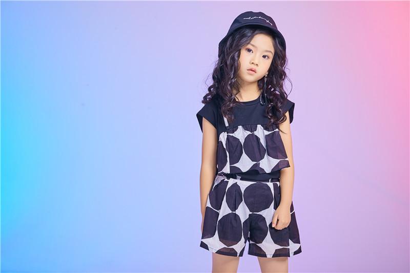 精心打造健康面料,佛山市童心童趣用最好的布料制造童装