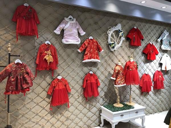 想要做童装,开个什么样的童装店才更有前途呢?