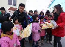 酷咿熊走进新乡太阳村 为孩子们捐赠价值10万元童装