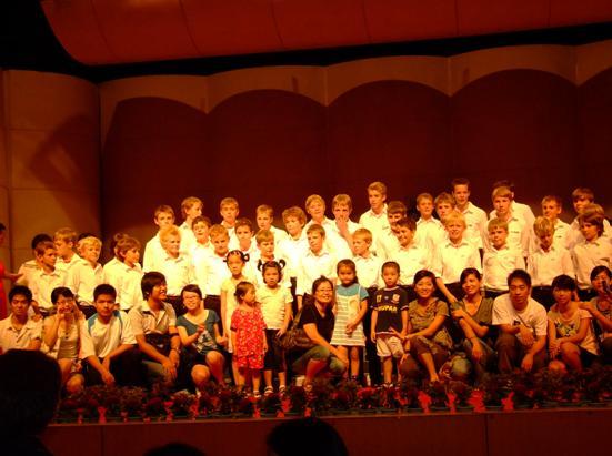 丹麦王子合唱团放歌温州_服装设计 - 中国童装网
