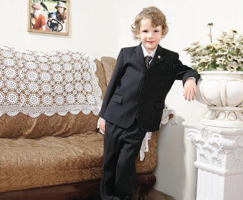 让男孩子变成小绅士