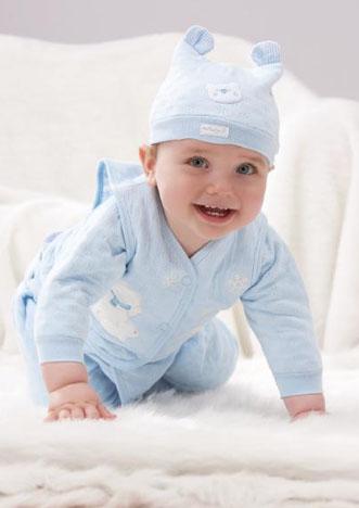 欧风时尚,色彩明亮,开心自然      目标消费群:0-3岁小孩
