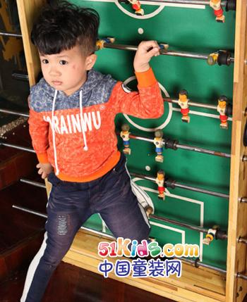 小人物童装产品图(3)