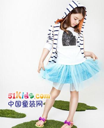偶飞童装产品图(3)