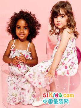 阿玛尼童装产品