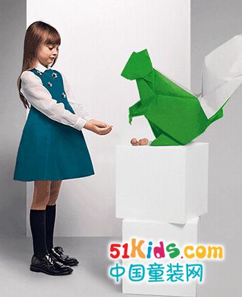 Fendi童装产品图