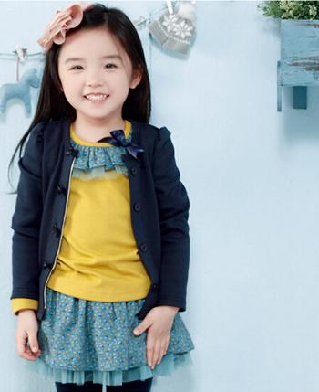 玛玛米雅童装产品图