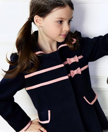 博历童品童装产品图