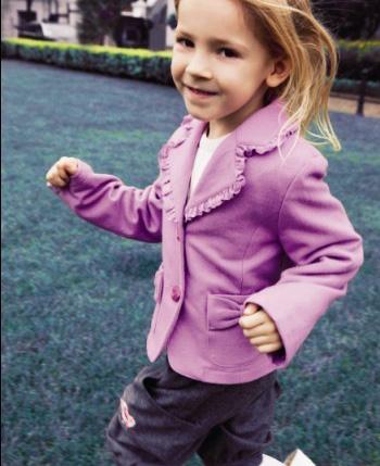 安徒生儿童世界童装产品图(3)