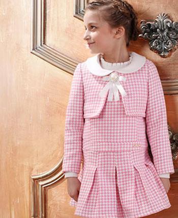 空中天使童装粉色连衣裙