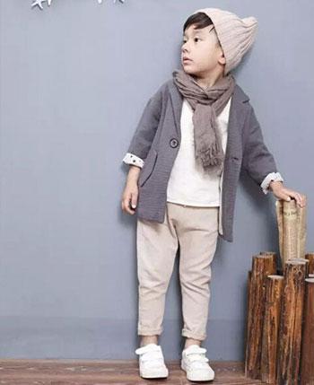 林芊美眉童装产品