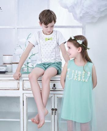 优露童装产品款式