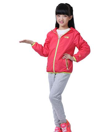 安踏童装产品