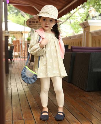 青木童童装产品