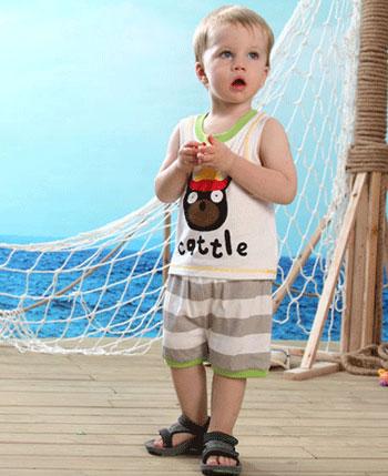 婴之谷童装产品图