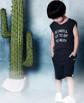 紅孩兒童裝產品