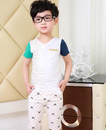 小神童童装产品