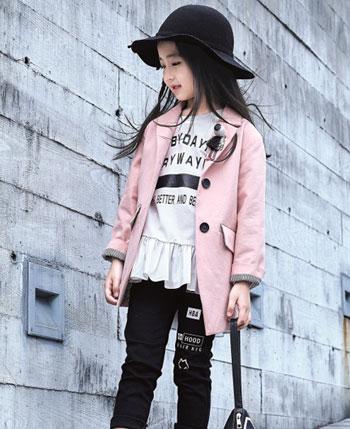 玛玛米雅童装产品