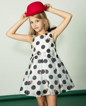 水孩儿童装产品