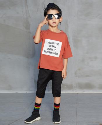 叽叽哇哇童装产品