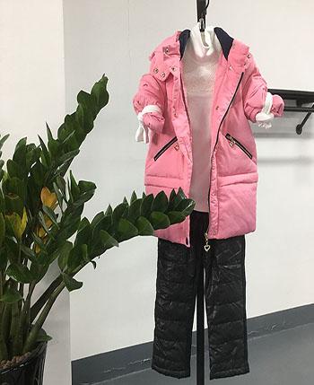 米尼童装批发童装产品