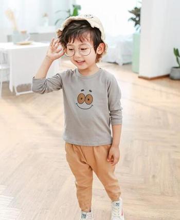 小鹿亲亲童装产品