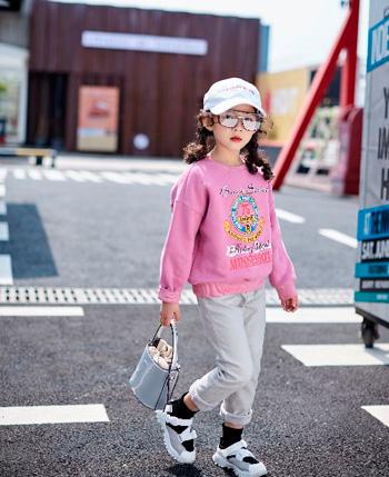 欧卡星童装产品