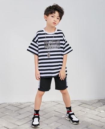 拉斐贝贝童装产品