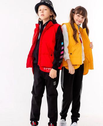 贝力高童装产品