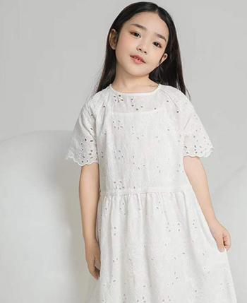 朴与素童装产品