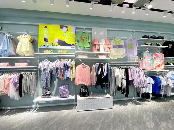 七波辉童装品牌店铺形象