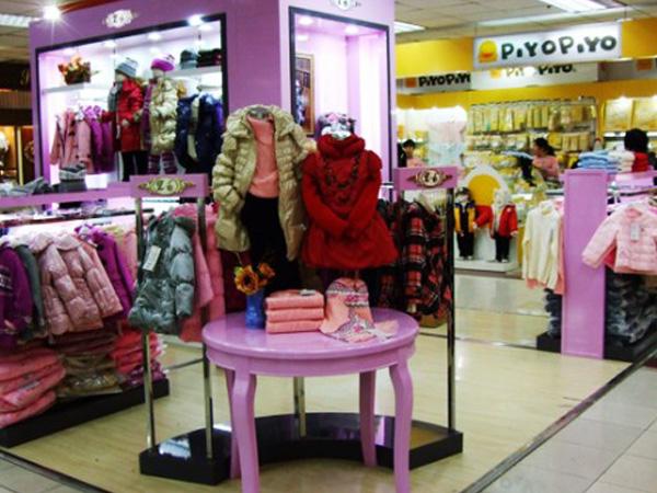 爱儿斯童装品牌店铺形象