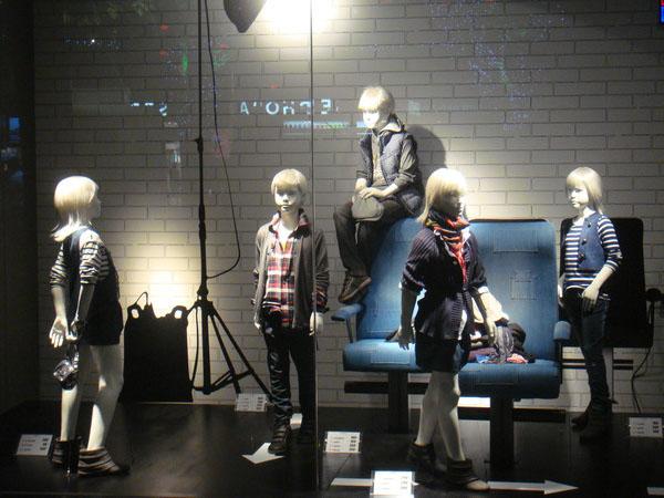 衣实在行童装品牌店铺形象