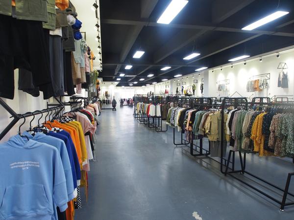 广州米尼童装店铺