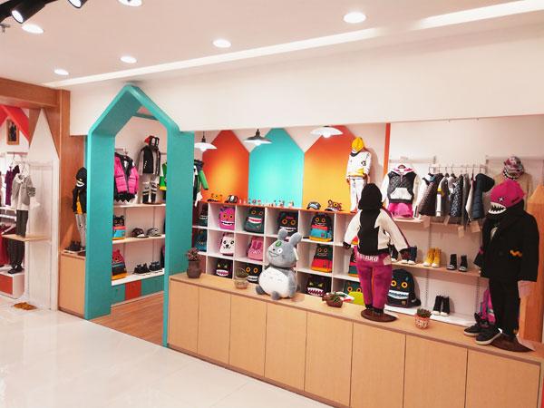 彩虹街童裝品牌店鋪形象