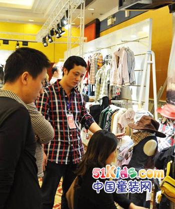 沐阳童童装2011秋冬静态展现场4