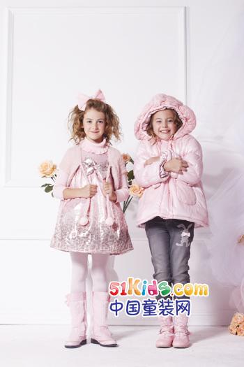 在儿童服装,服饰的高端市场,品牌也以欧式浪漫的设计风格和港人严谨