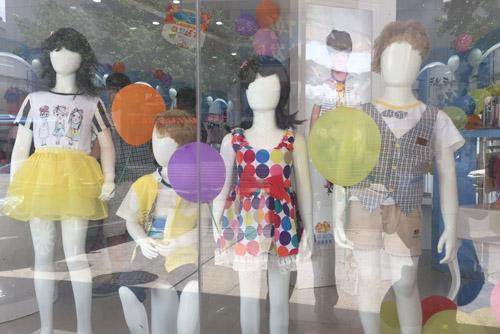 重视陈列诠释品牌,贝乐鼠童装——优在售后,赢在终端