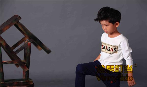 童声童色公司维尼叮当童装带给孩子分外绚烂的童年