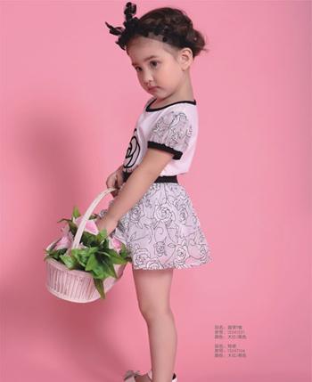 塔哒儿童装 穿出女孩甜美气质