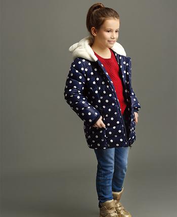 水孩儿童装:热情色彩点燃秋冬时尚