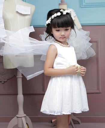 DIZAI童装 打造美丽衣世界
