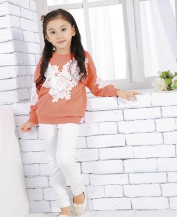 贝乐依娃童装 引领秋冬时尚