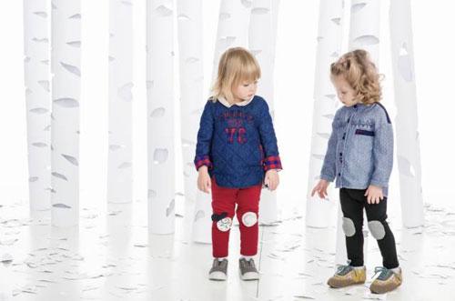 豆豆衣橱是充满爱和欢笑的团队,怀着喜悦美好的心情,做出每一件衣服