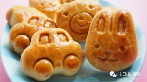 动物形状小月饼最适合年纪较小的小朋友的啦,小小一个不会太腻